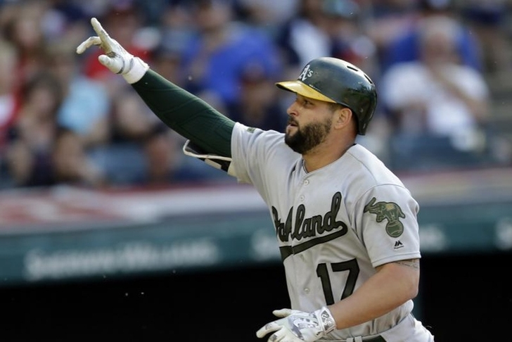 Major League Baseball trade rumors 2017: Yankees interested in Oakland's Yonder Alonso, Sonny Gray