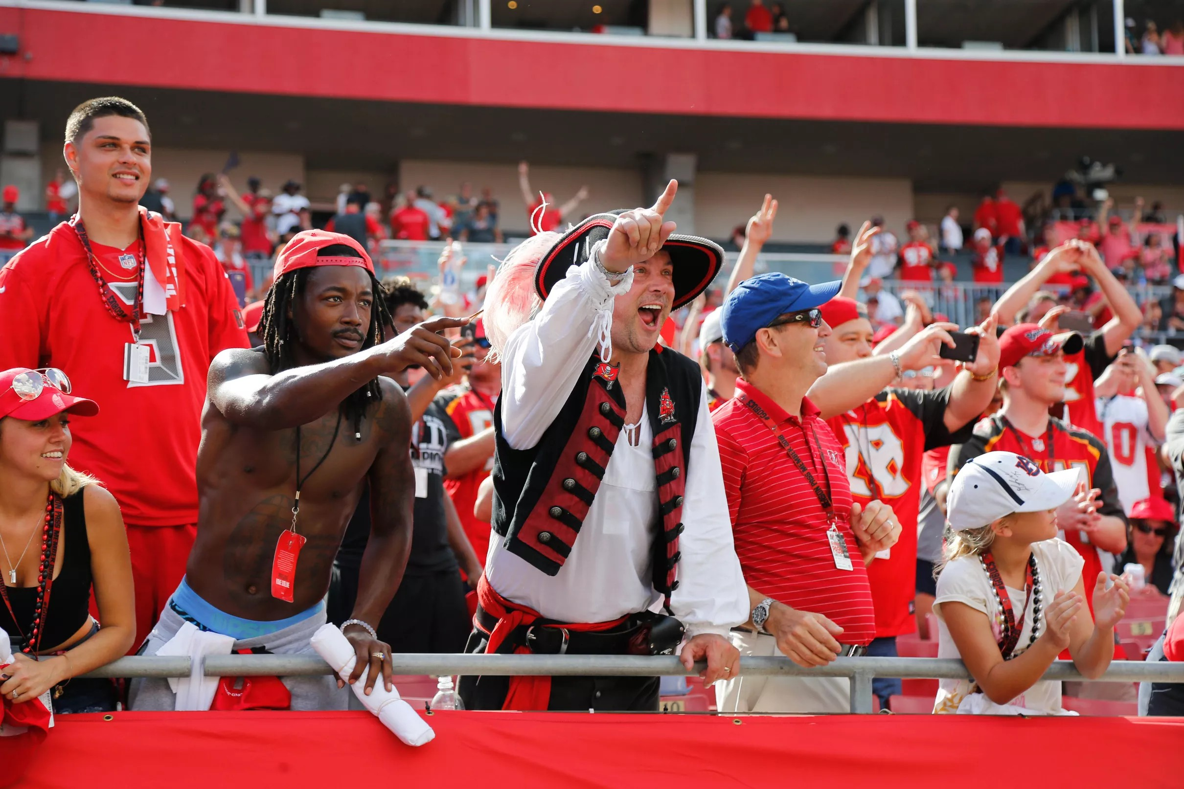 Bucs fans riding a wave of confidence heading into Week 3 3f1ddaec7