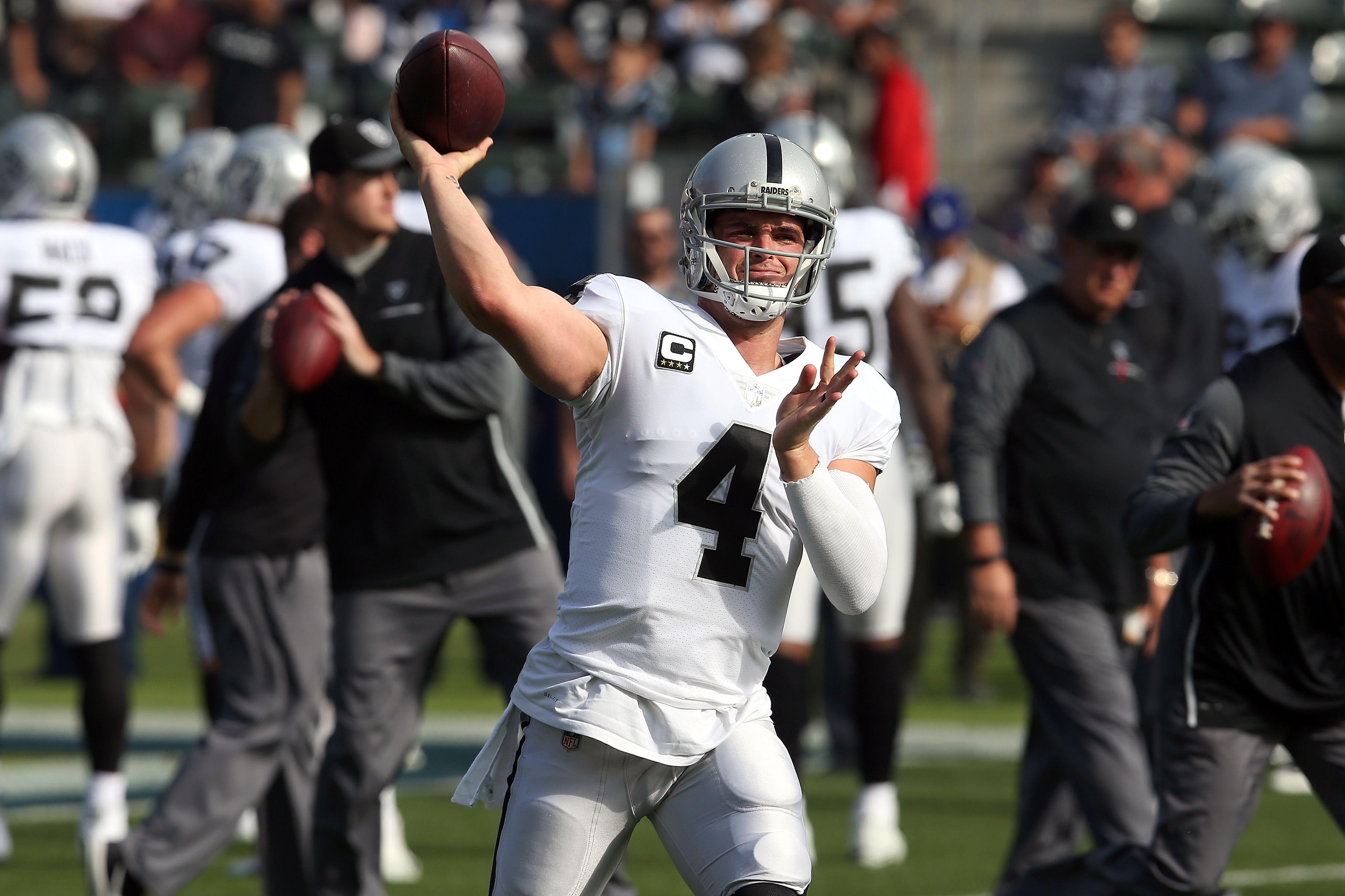 the best attitude af3c2 c6c25 Oakland Raiders news: Derek Carr's late touchdown secures ...