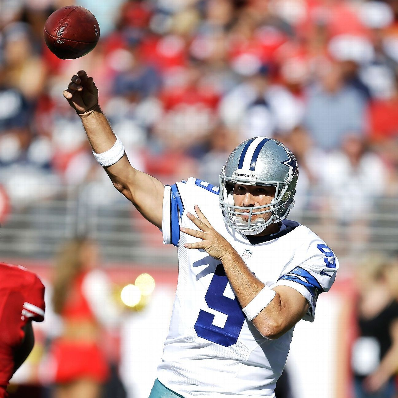 Tony Romo of Dallas Cowboys doesnt belong in richest NFL