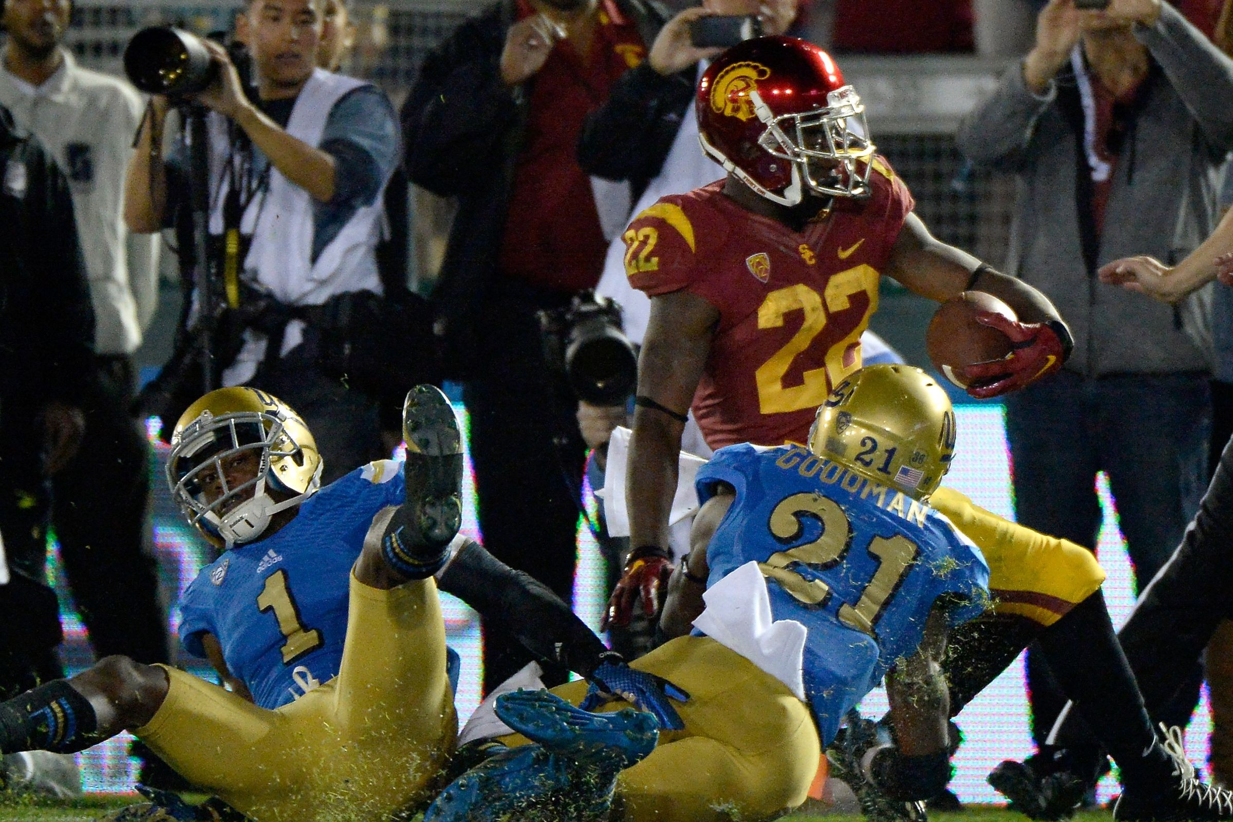 college football finals usc ucla betting line