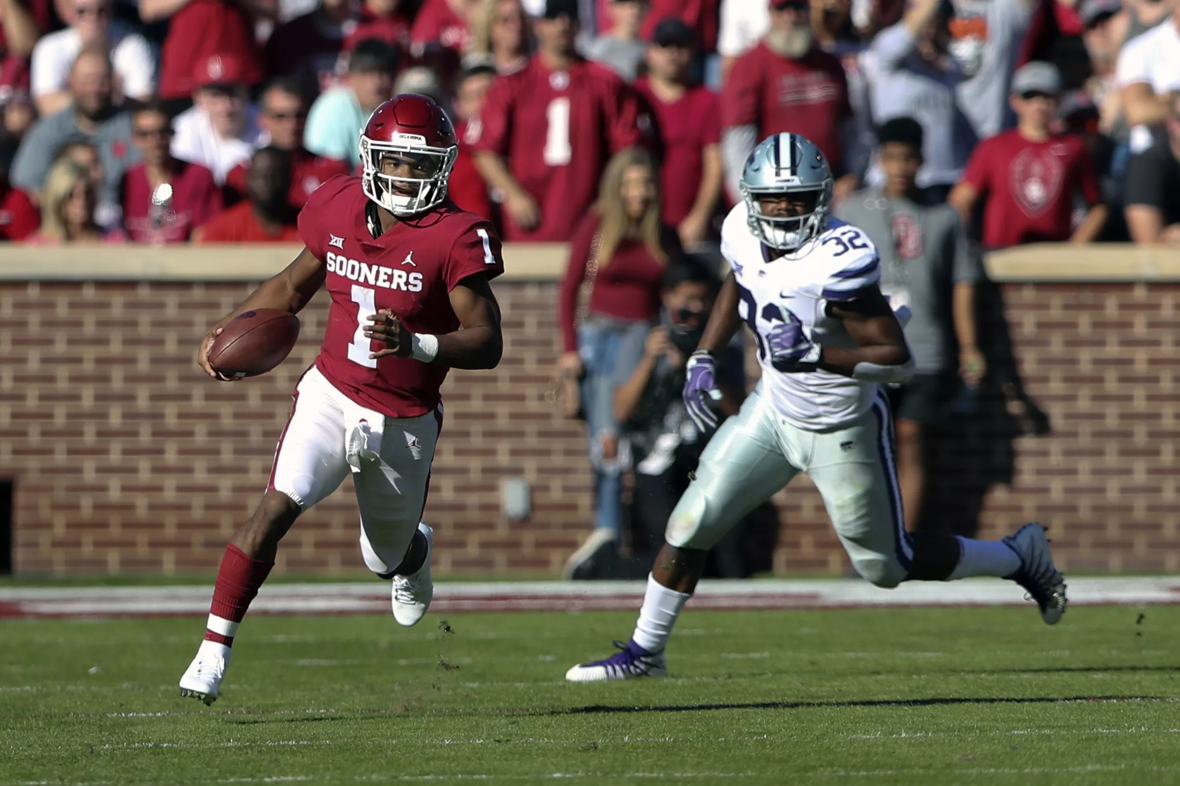 9cb5fc76 Oklahoma Sooners Football Hot Links: Kyler Murray a Maxwell Award  semifinalist, Hue Jackson out in Cleveland, and more