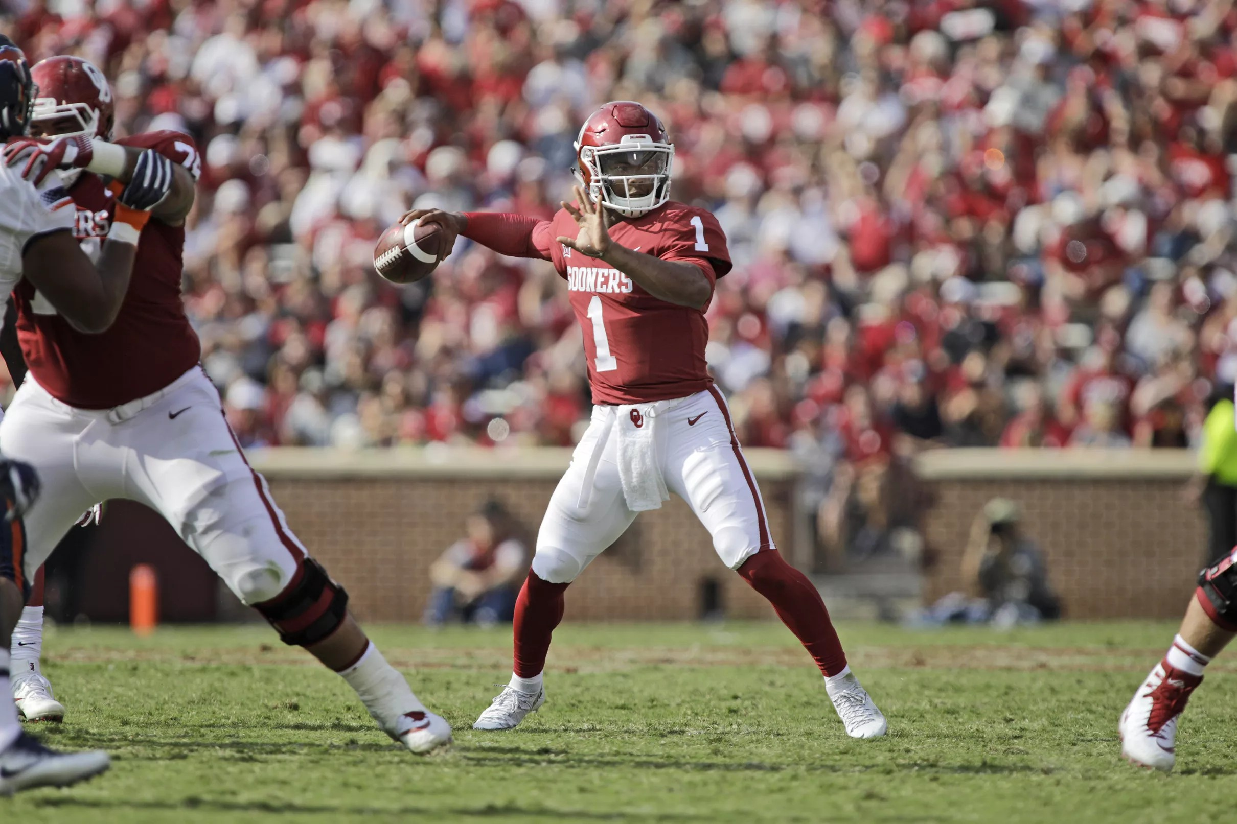 93a42036c85 Oklahoma Sooners Football Hot Links: Lincoln Riley expects Kyler Murray to  play football this fall