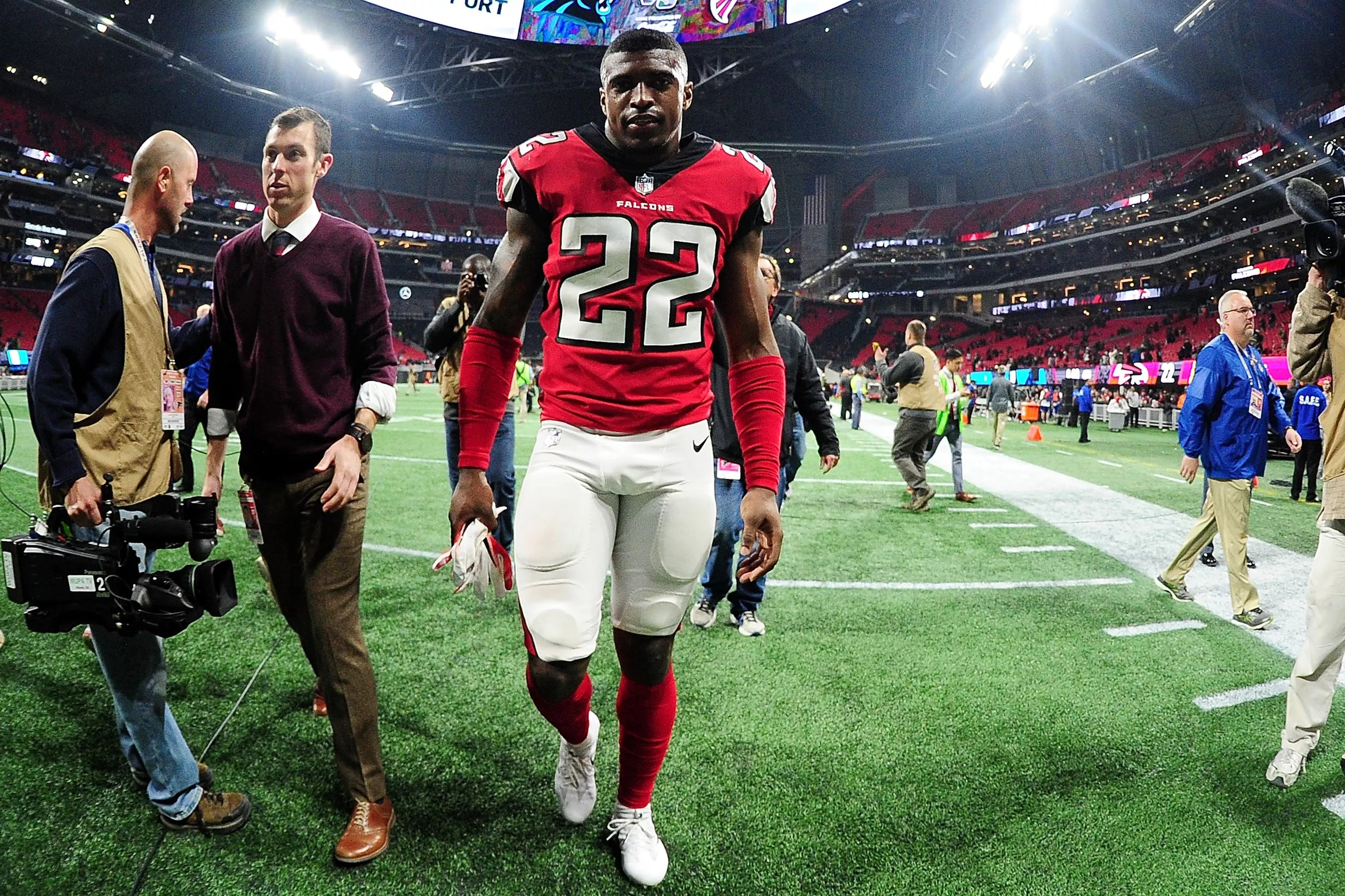 Dan Quinn Falcons May Limit Keanu Neal Todd Gurley At Times During Training Camp