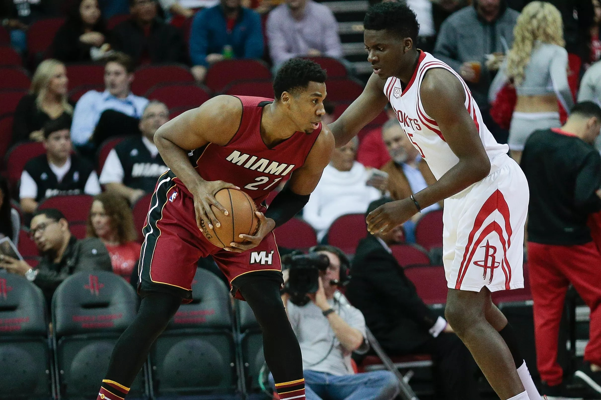 7b8273e989e GAME PREVIEW  Miami Heat (27-19) face the tough Houston Rockets (32-12) to  end current road trip