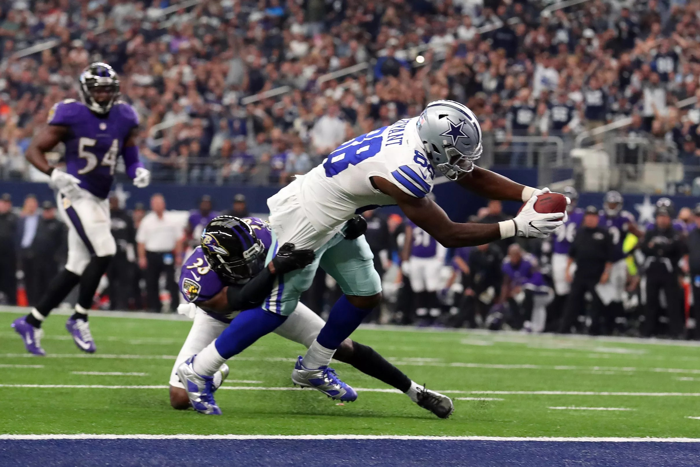 Report Ravens Showing The Most Interest In Wr Dez Bryant