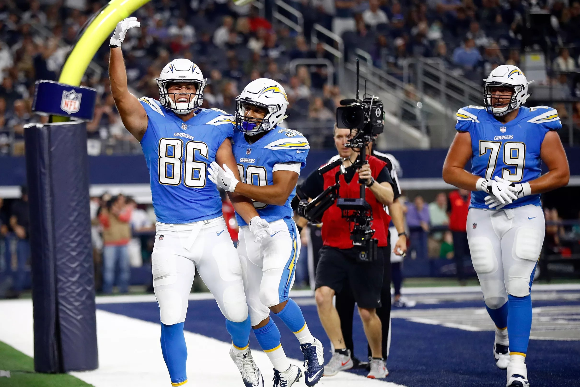 0bb02aa6 Los Angeles Chargers Daily Links: How good can Hunter Henry be?