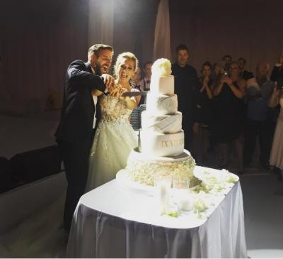 Huge Cake Giant Lace Wedding Dress Dominika Cibulkova S