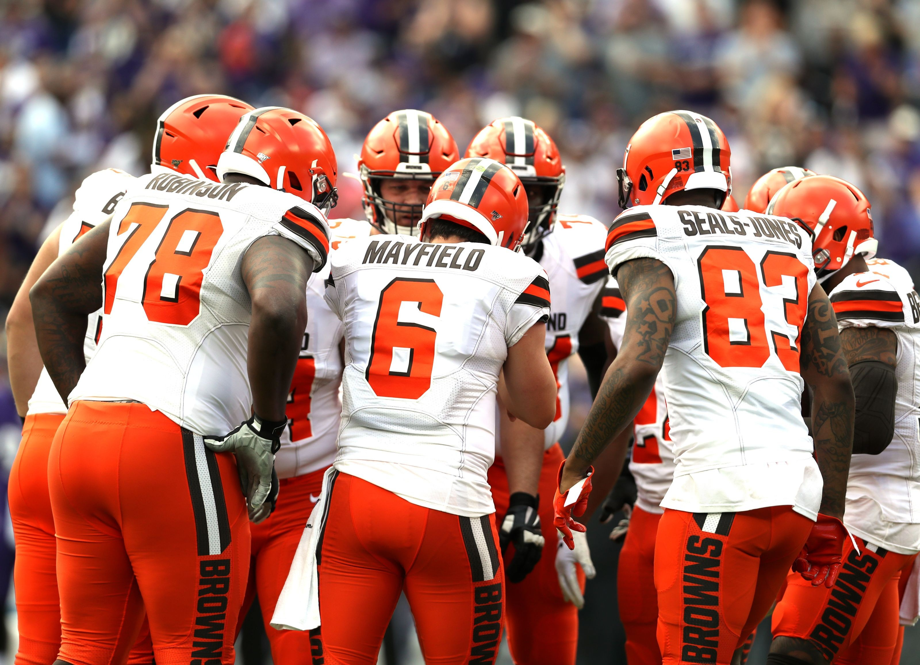 Browns unveil new uniforms with classic look - Sports