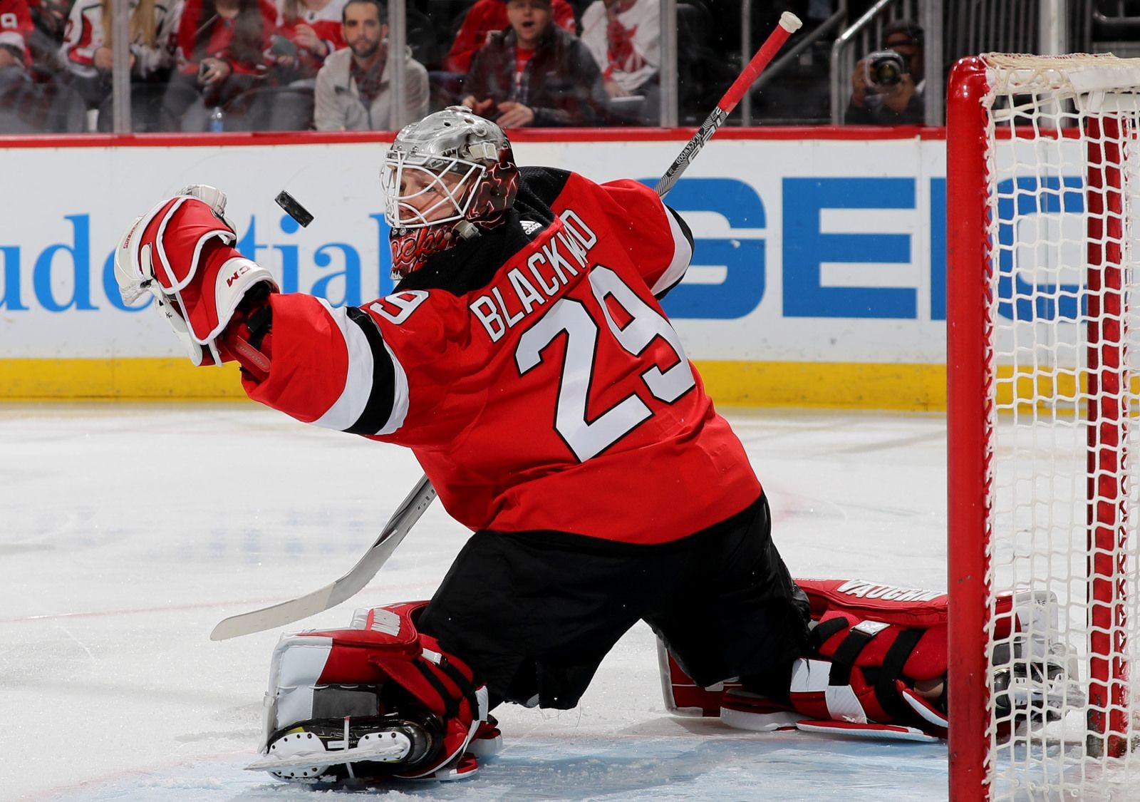 sports shoes 177f8 8c39f New Jersey Devils: Mackenzie Blackwood Fights Carter Hart At ...