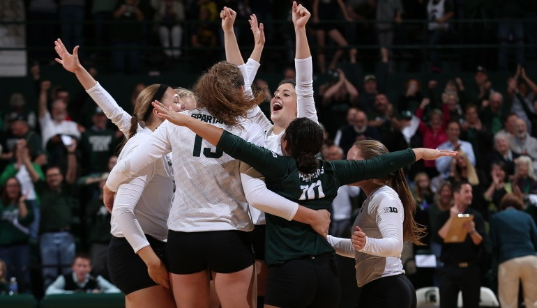 MSU VOLLEYBALL: Spartans down Wolverines in Straight Sets