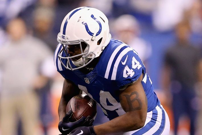 Colts Sign Running Back Ahmad Bradshaw Place Tyler Varga