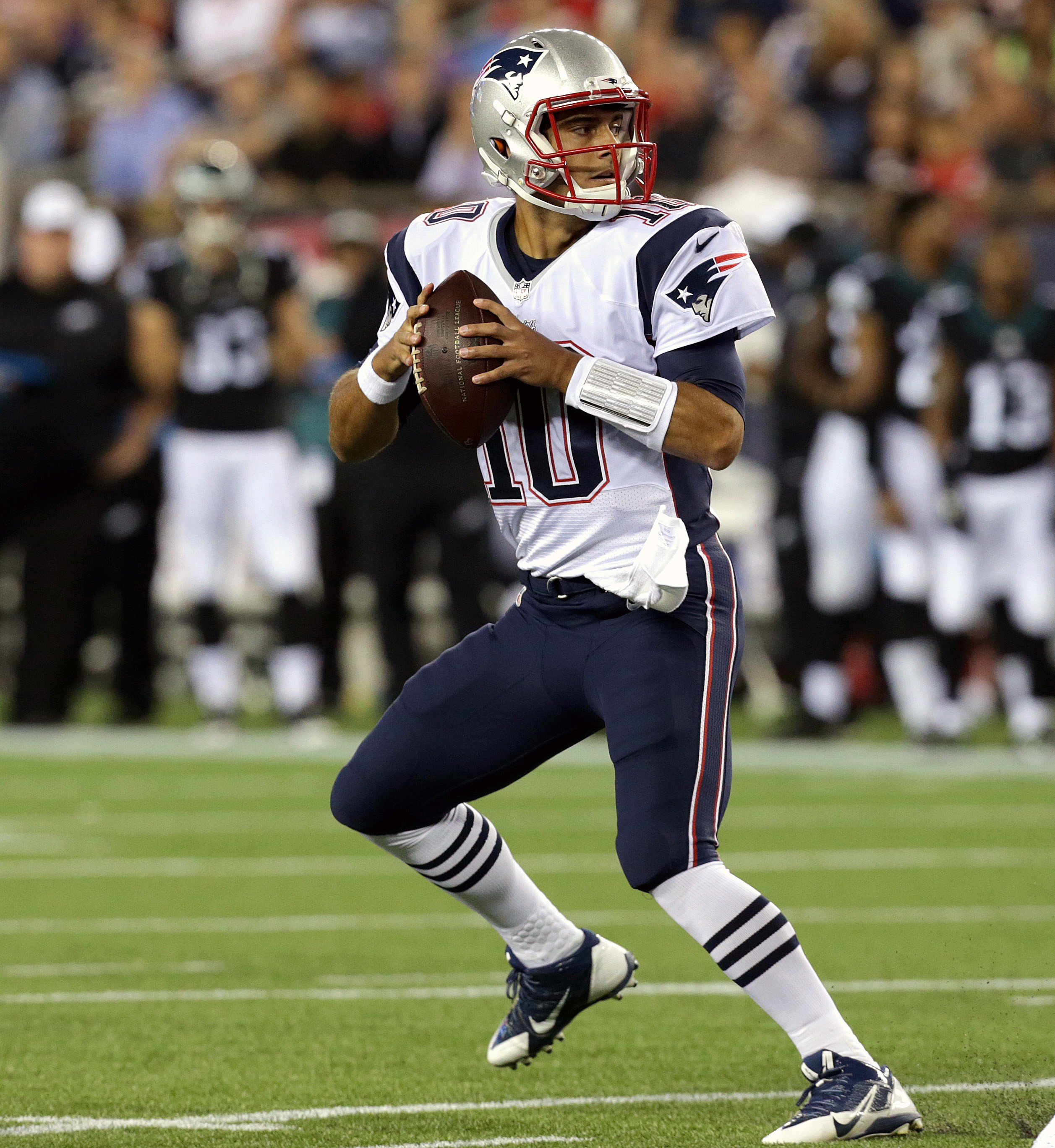 Patriots open to trading backup QB Jimmy Garoppolo