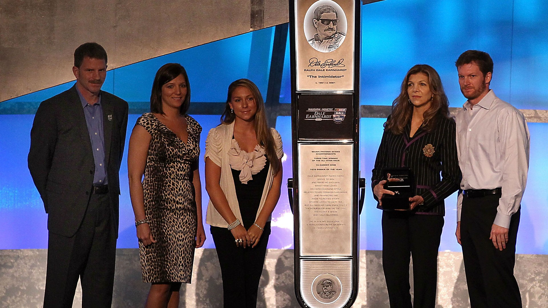 How Teresa Earnhardt Is Tarnishing Dale Earnhardt S Name And Legacy Teresa earnhardt has battled for four years to try to get her stepson kerry earnhardt to change the name for a collection of homes kerry and his wife design and promote through the earnhardt. how teresa earnhardt is tarnishing dale earnhardt s name and legacy