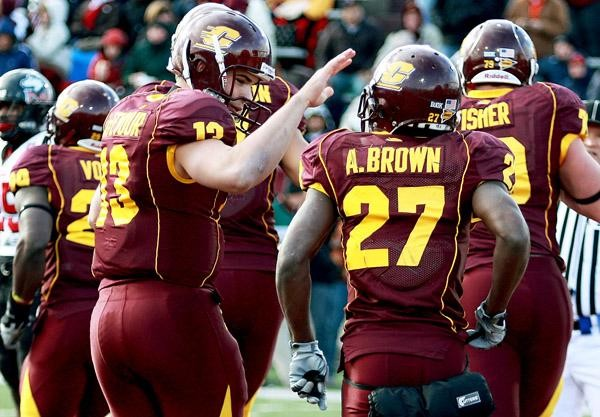best service 3b92d b82d3 Former CMU football player advances as one of four pairs on ...