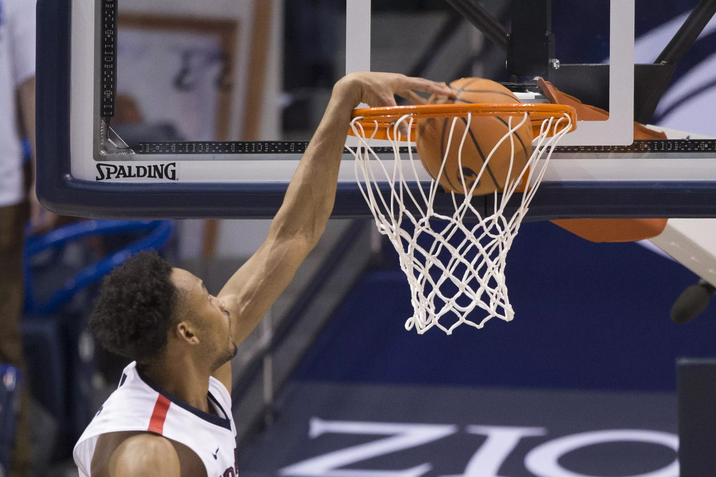 College Basketball Rankings Gonzaga Falls To No 7 In