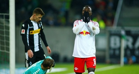 Rb Leipzig Boss Ralph Hasenhuttl Criticises Naby Keita S Drop In Form Ahead Of His Move To Liverpool He Is Not As Consistent This Year
