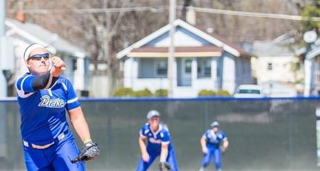 Softball Earns Wins Over Dartmouth, Maryland on Friday