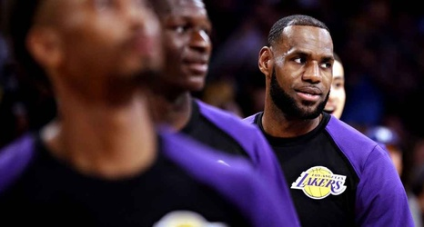 148b7123d5d2 LeBron and the Lakers  debut  Predictions and expert analysis