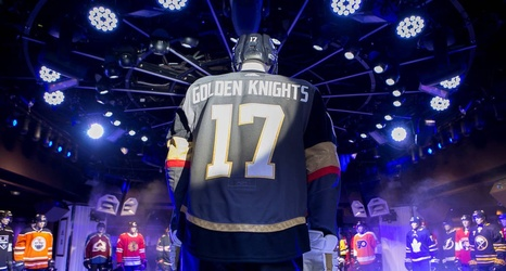 the best attitude 0bb1a 8cd8b Uniform behavior passes the test during Vegas Golden Knights ...