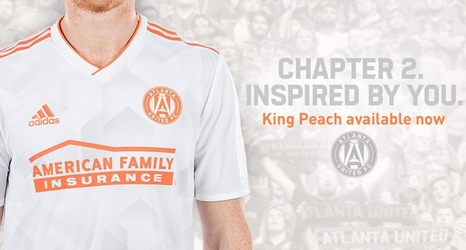check out 5d3f9 dae79 Atlanta United reveals 2018 'King Peach' secondary kit at ...