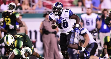 Memphis Ranked No 25 By Amway Coaches Poll