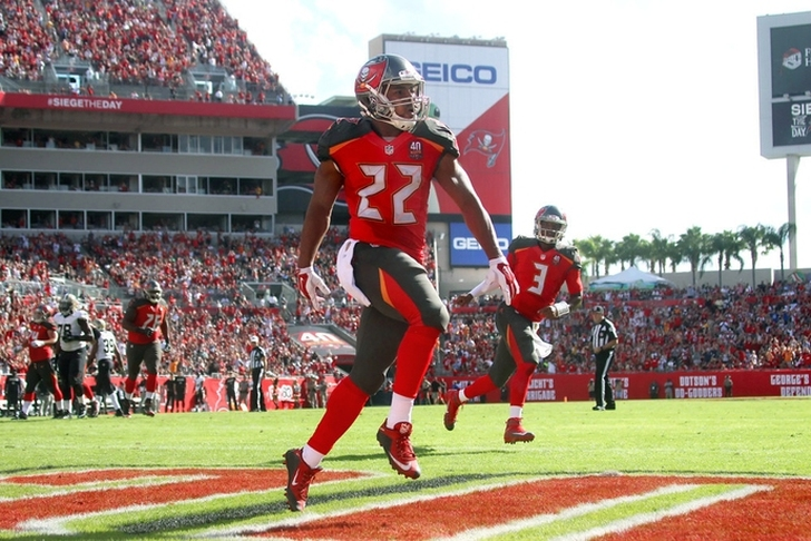 Buccaneers waive Alan Cross with Doug Martin returning