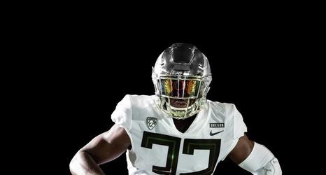Oregon Ducks Unveil New Football Uniforms PHOTOS