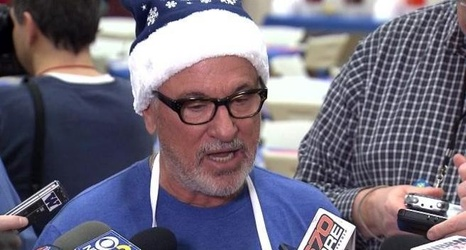 ec41943e2b1 Embrace The Target  Cubs manager Joe Maddon brushes off criticism from Aroldis  Chapman and Miguel Montero