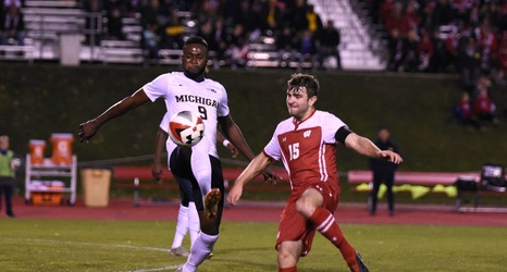 Men S Soccer Badgers Woes Continue In Losses To Milwaukee