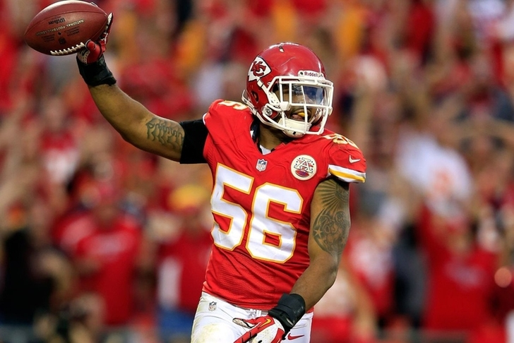 Former Chiefs LB Derrick Johnson signs with Raiders
