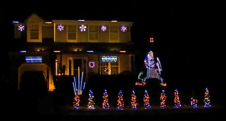 Dropkick Murphys Christmas.Watch Notre Dame Themed Christmas Lights Display
