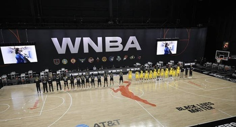 Wnba Players Didn T Kneel During The National Anthem They Walked Out