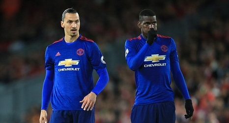cheap for discount 57490 a5d35 Inside the Manchester United dressing room: Zlatan ...