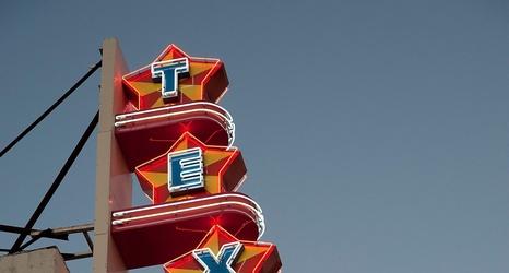 Dallas Mavericks: Texas Theatre to show Nowitzki: The Perfect Shot