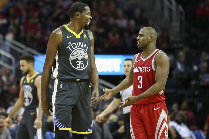 Durant Pimpin Warriors Kalahkan Rockets