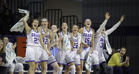Drake Women S Basketball Team Returns To Des Moines After Two Wins