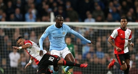 Yaya Toure Dictates Tempo For Manchester City Against Feyenoord As