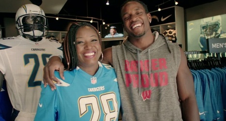 big sale 7c92a 0f12c Melvin Gordon's mom wearing No. 28 jersey this season