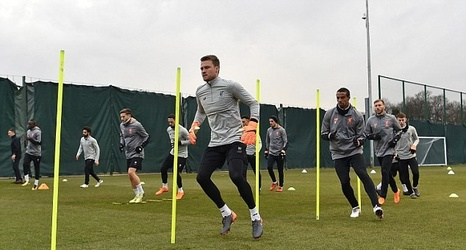 Liverpool goalkeeper Simon Mignolet vows to stay and fight