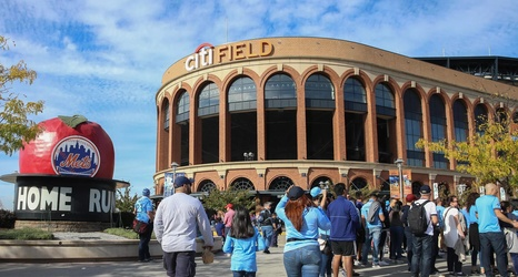 55c709a22ff8f6 Mets Morning News: Hockey comes to Citi Field as Mets tread water