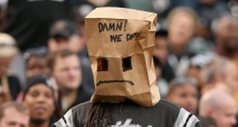 Frustrated New York Giants Fans Whatever You Do Stay Away From Paper Bags