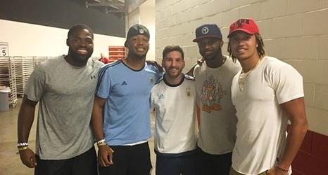 49ers wide receivers meet argentinian soccer superstar lionel messi m4hsunfo