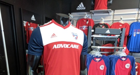 best service 1bcb9 6479d Pictures from the FC Dallas 2018 home kit reveal