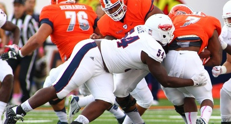 brand new 642e9 6759c Florida Atlantic defensive tackle Ray Ellis III keeps ...