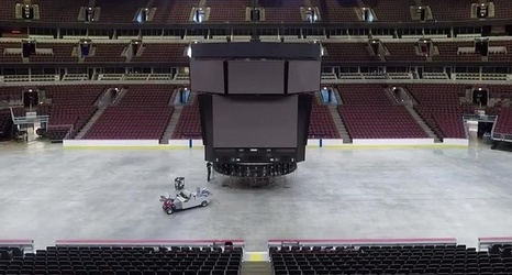 Watch United Center Scoreboard Taken Down And Disassembled