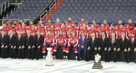 Capitals pose for official Stanley Cup photo