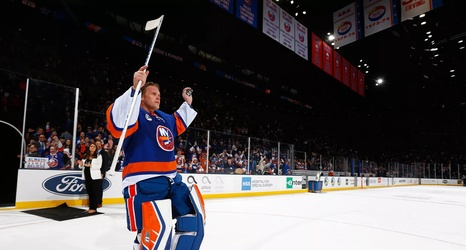 Nhl Free Agency Robin Lehner Leaves New York Islanders To Sign With