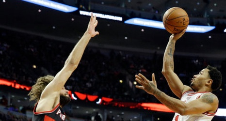c02d9400030c N.B.A. Roundup  Derrick Rose Shows Old Form as Bulls Top Trail Blazers