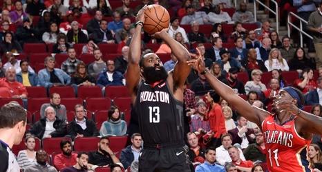 e12d11656111 Rockets  James Harden extends 30-point streak to 24 games